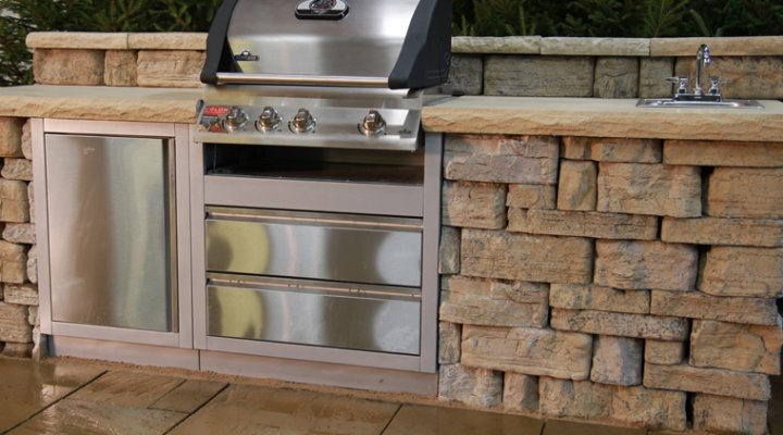 Outdoor Kitchen - River's Edge Brown